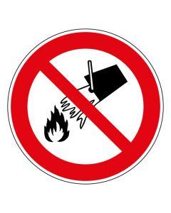 Verbotszeichen Mit Wasser löschen verboten · ISO 7010 P011