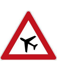 Verkehrszeichen Gefahrzeichen Flugbetrieb, Aufstellung rechts · Zeichen 101-10  | Aufkleber · Schild · Magnetschild